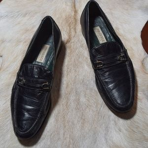 VTG Gucci loafers!